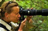 kobieta robiąca zjędzia, fotograf